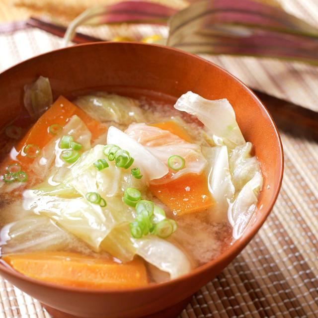 本当に美味しい味噌汁の作り方!出汁なしで素材の旨味を引き出す方法