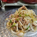 お弁当にも!味付けは焼肉のタレ。豚肉とモヤシとミョウガの炒め物。