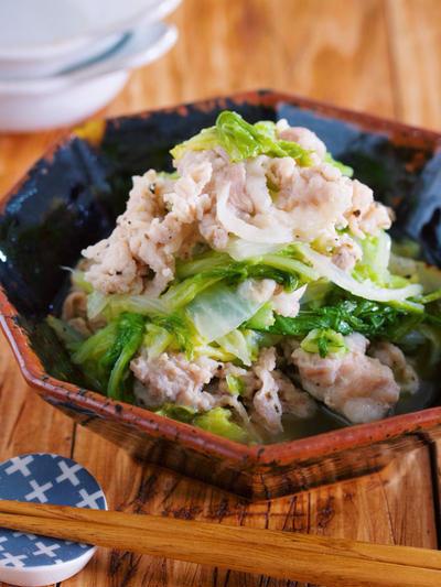重ねて放置で完成♪ご飯もお酒もすすむ♪『豚バラと白菜の塩だれ蒸し』