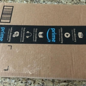 Amazonから1年後に届いたカレー!