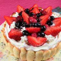 セルクルなくてもケーキ型で簡単!苺シャルロットの作り方