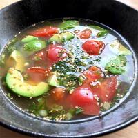 麻辣醤で☆トマトとアボカドの辛いスープ
