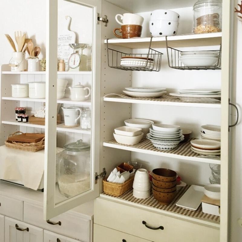 食器棚にしまうときに悩むのは「積み重ねすぎ」と「デッドスペース」。まだまだ重ねる余裕はあるものの、重...