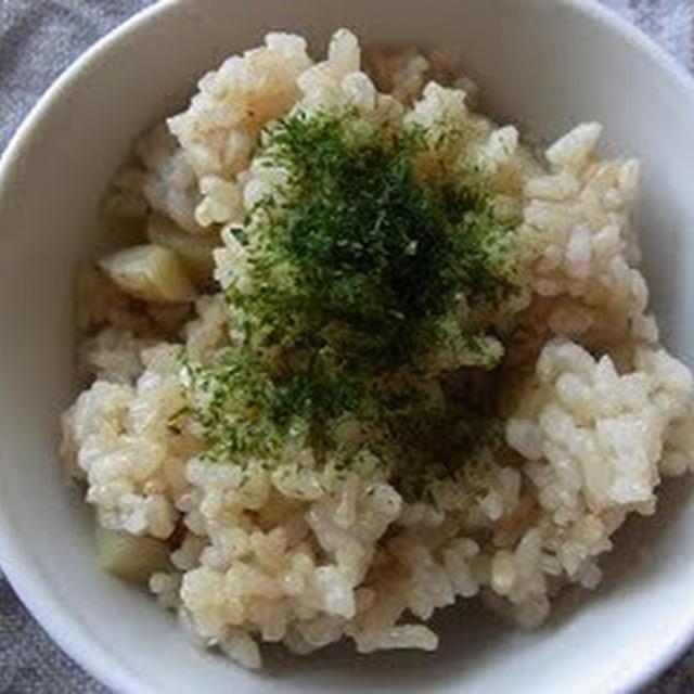玄米も混ぜて☆じゃがいもの炊込みご飯とお弁当