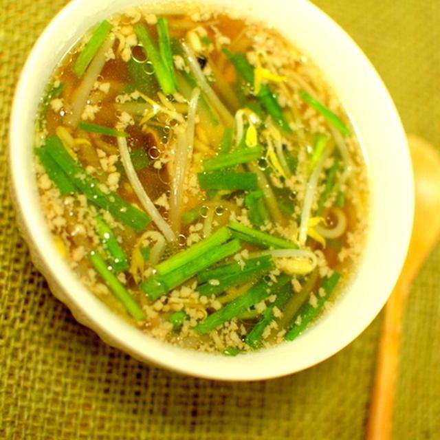 もやしとニラの中華風スープ