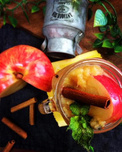 すりおろしリンゴとシナモンのビネガーウォーター