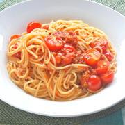 2種類のトマトの旨味と酸味でサッパリと美味しい〜ダブルトマトのシンプルスパゲティ。