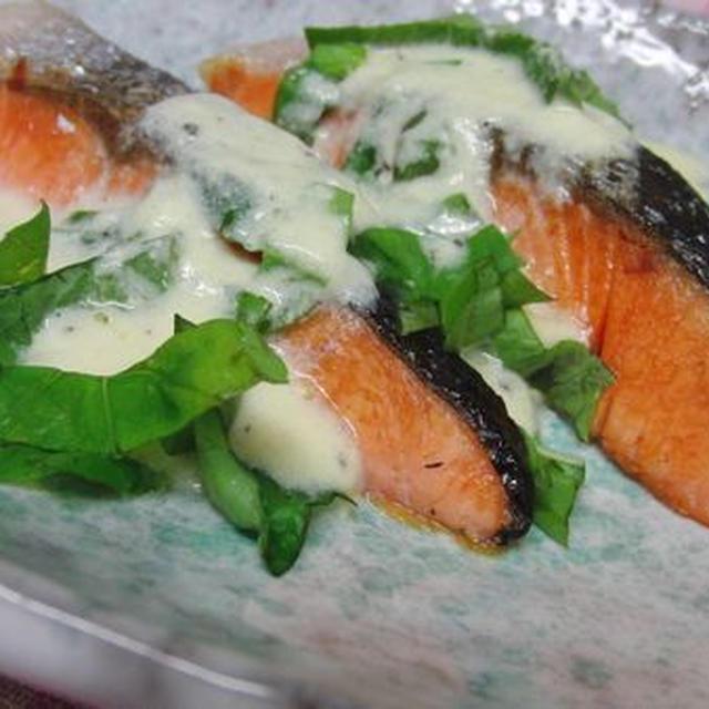 超簡単☆ 30秒ペッパーチーズソースで♪ 鮭のステーキ