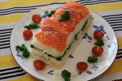 【ノルウェーサーモンで・・・春のおもてなし押し寿司】