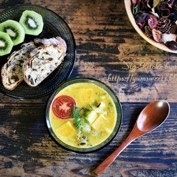 カレースープと私専用パン、そして、山椒の苗とボディチェック