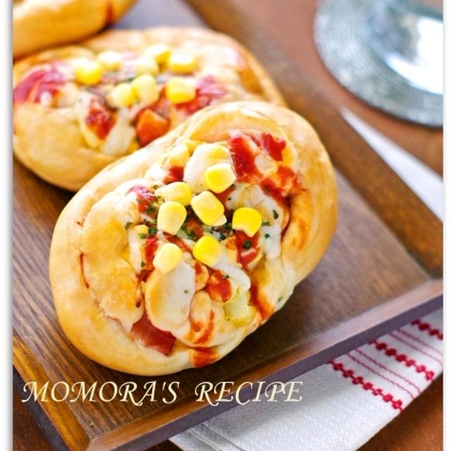 ホットケーキミックスで簡単・節約20分♪油・卵不使用ふわふわヘルシーお豆腐のハムマヨコーンパン♡お菓子な お総菜パン