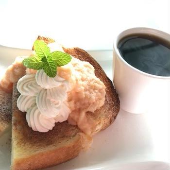 青森りんごのクリームジャムと朝ごはんと朝散歩