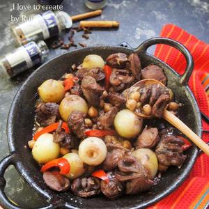 砂肝とぺコロスの赤ワイン煮