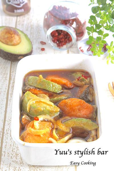お鍋不要!フライパン一つで楽々♡鮭とアボカドの南蛮漬け《簡単★節約★常備菜》