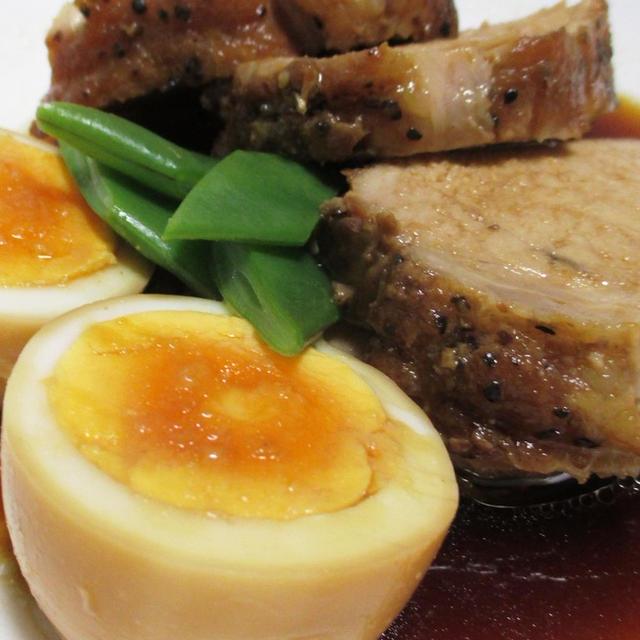 豚ロース肉の厚切り煮豚<ジューシーな味わい>