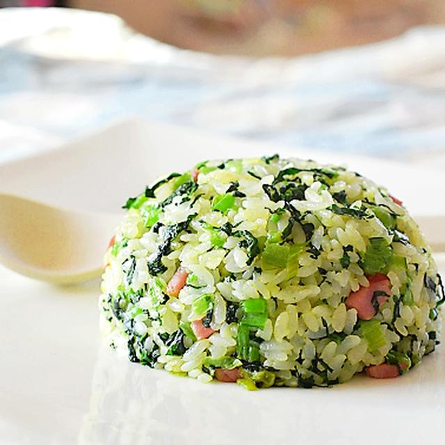 スパイスマヨネーズで小松菜とベーコンの炒飯♪