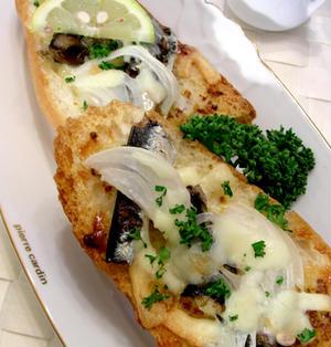 オイルサーディンのチーズトースト