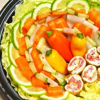 ピーラー野菜&豚肉とお揚げの巻いたん鍋  トップバリュ「味噌とんこつ鍋つゆ」で!
