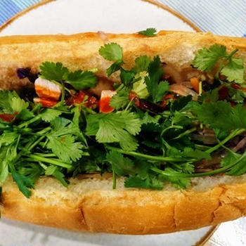ベトナムサンドイッチ ~ ひよこ豆のカツカレー
