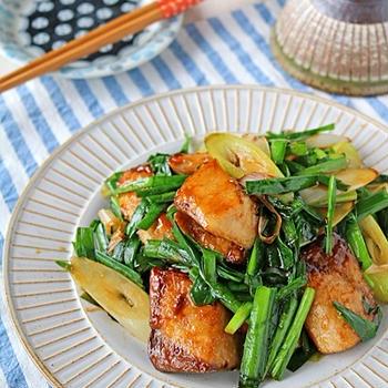 フライパンでパパッと簡単魚料理♪レバニラ風ブリニラ炒め♪連載
