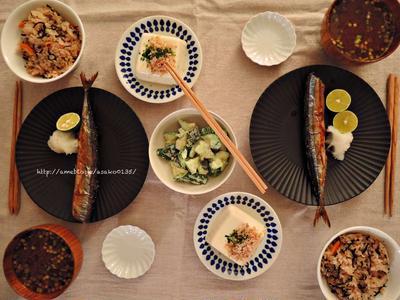焼き秋刀魚とひじきごはん。