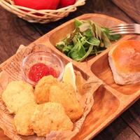 朝カフェ☆スパイスたっぷりガーリックチーズチキンナゲット(レシピ)