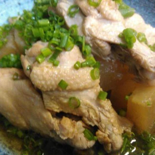 ベーコンのサラダ、手羽元と大根の煮物、味噌マヨ紫蘇チーズ焼き、3種盛