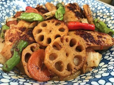 鶏手羽先と有り合わせ野菜のピリ辛豆板醤炒め♪