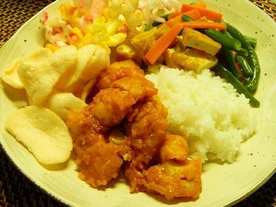 インドネシア風 白身魚のフライのトマトソース煮