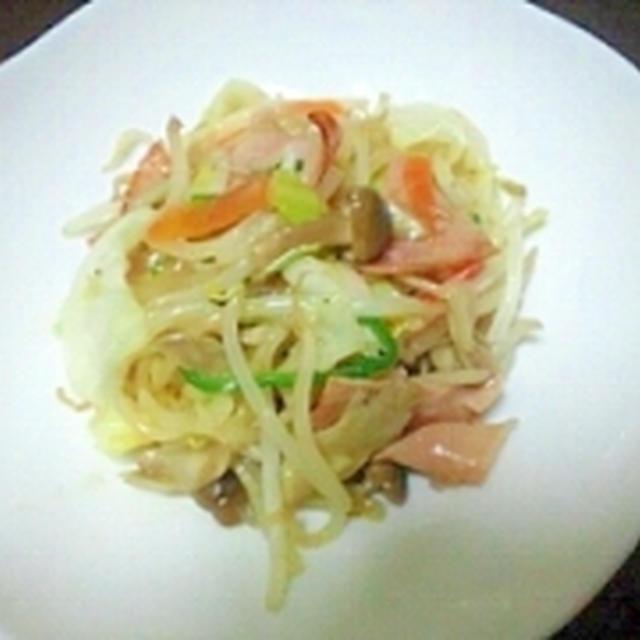 いろいろ野菜とハムの塩麹炒め