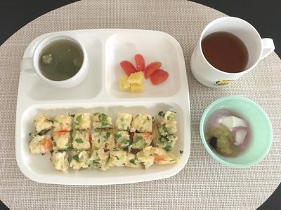 【離乳食完了期】サラダ菜とMIX野菜のご飯オムレツ