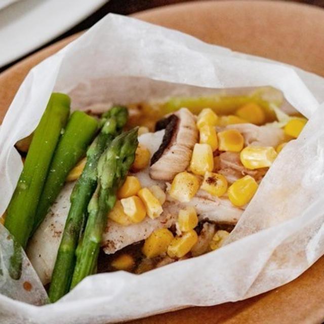 魚不足解消に!冷凍庫にあったもので作るバター香る野菜たっぷり鱈のレンジ蒸し