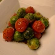 芽キャベツとトマトのグリル