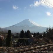 お気に入りの富士山写真~線路と道祖神