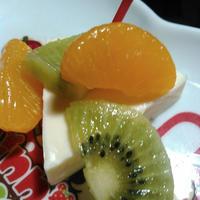 Q・B・B デザートチーズ瀬戸内レモンのフルーツ和え~パパもよろこぶ♪チーズdeおつまみレシピ