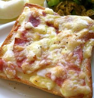 モチベーコンのマヨチーズトースト