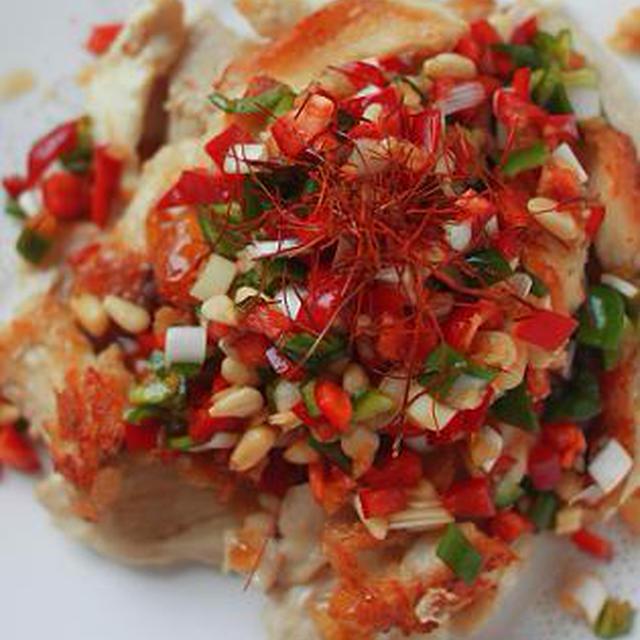 ハウスのっけてジュレ <ぽん酢>で鶏胸肉のカラフル中華風ジュレぽん酢ソースがけ。