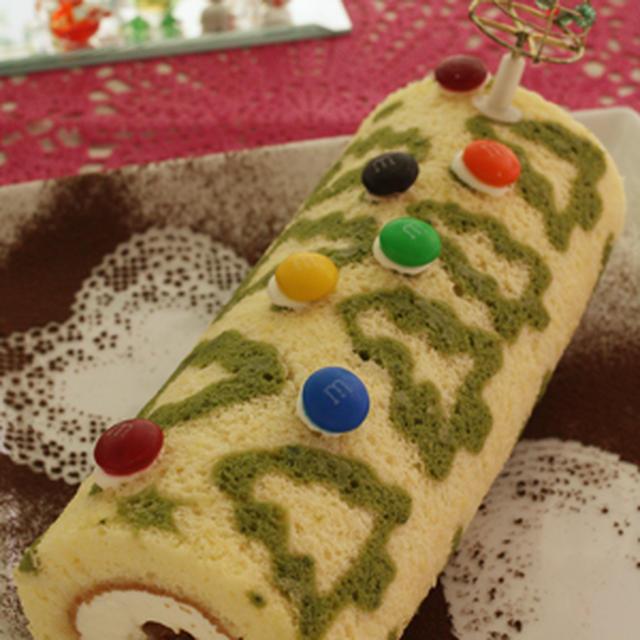 クリスマスのロールケーキ。フライパンで作っちゃった!?