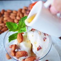 ♡キャラメルソースたらりんピックのアーモンドアイスクリーム♡