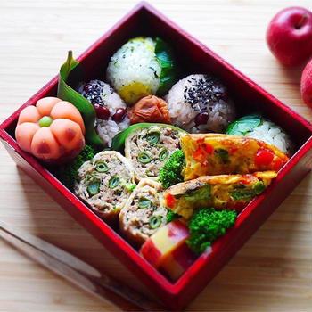 ちょっとうれしい時の赤飯おにぎり/豚ひき肉とクレソンの油揚げ巻きレシピ