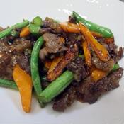 牛肉と野菜のからし醤油炒め