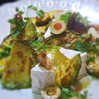 カマンベールとグリルアボカド、くさやのサラダ、オレンジママレード風味