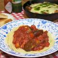 今日の晩ご飯/ピリ辛パスタの「茄子とベーコンのアラビアータ」と、ミートソースをリメイク!スキレットで作る「茄子ミートチーズ焼き」