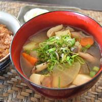 【ヤマキだし部】けんちん汁。基本で普通、でも野菜がおいしい温まる汁物。