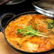 《レシピ》豆苗と絹揚げ(豆腐)のスンドゥブ風たまごとじ。