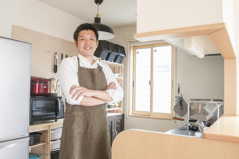 子ども部屋収納とDIYで作る爽やか系男前キッチン~キムケンさんの「世界一楽しいわたしの台所」