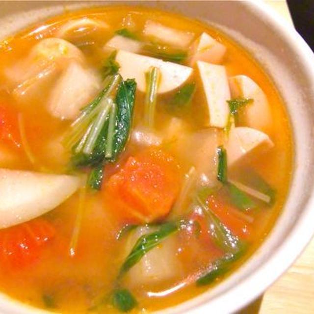 魚肉ソーセージとトマトと水菜のスープ