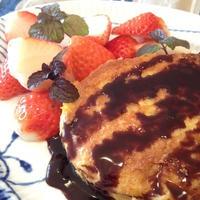 バニラのリッチな香りで「チョコソース フレンチトースト」。