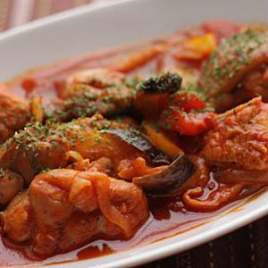 ローリエ香るチキンのトマト煮込み