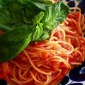 スピガドーロのトマト缶でポモドーロ